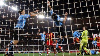 خطای هند سوارز در بازی غنا-اروگوئه